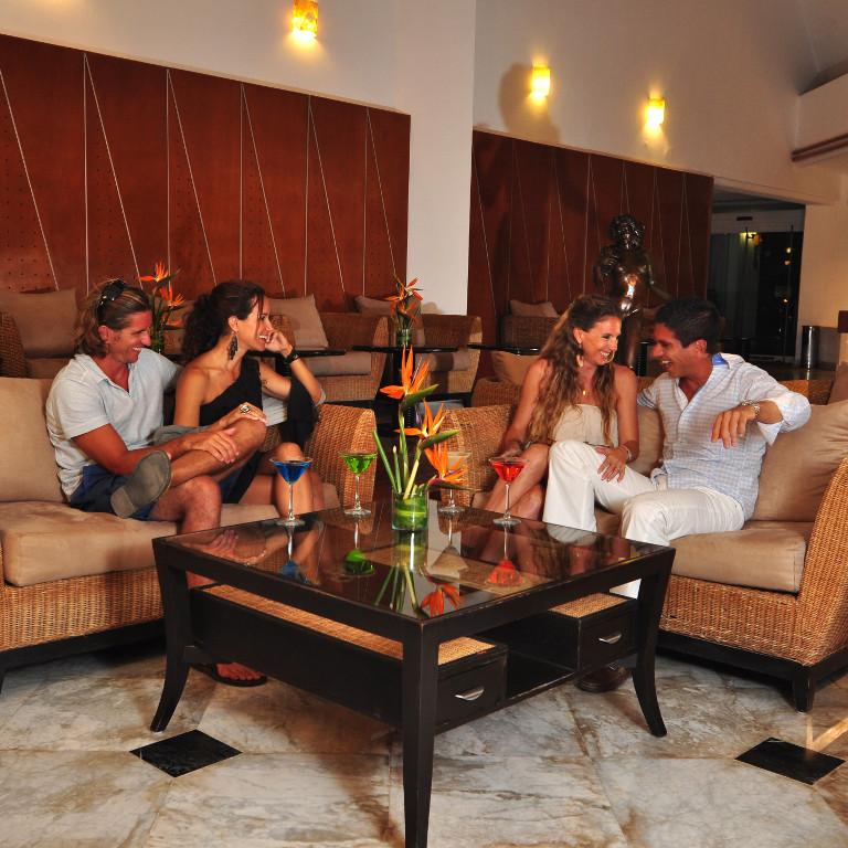 Share Cancun - Hoteles - Sunset Marina Resort & Yacht Club   Lobby bar