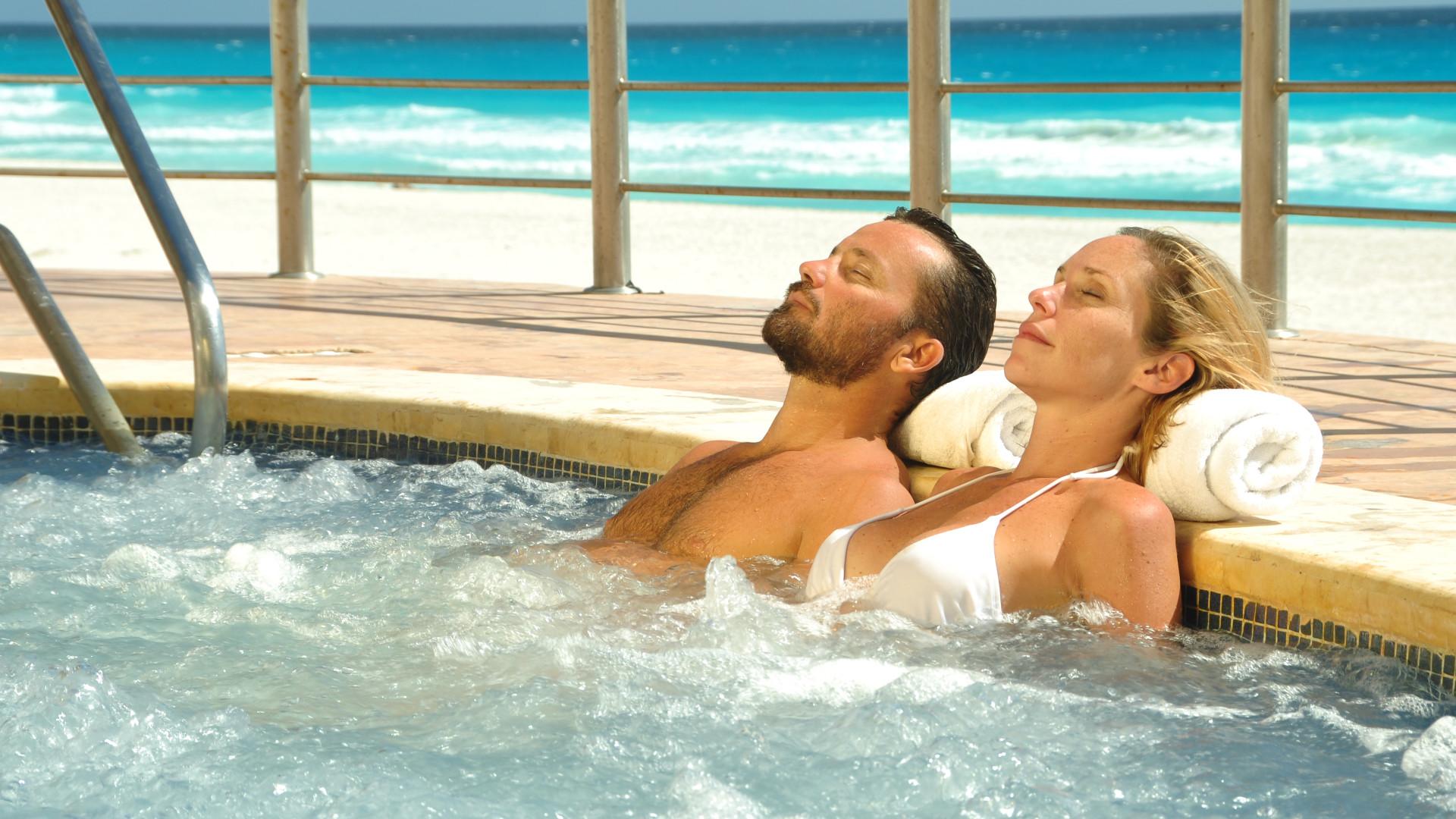 Share Cancun - Hoteles - Sunset Royal Beach Resort | Jacuzzi