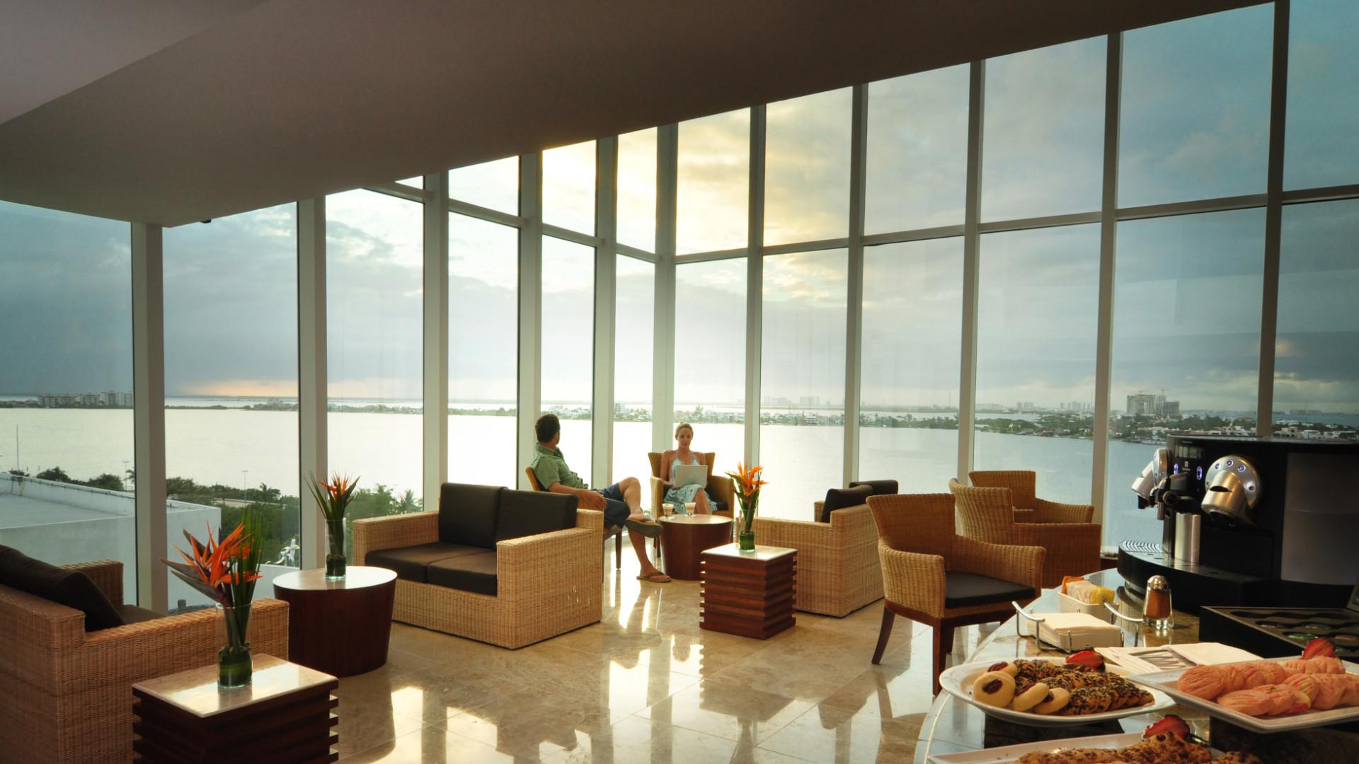 Share Cancun - Hoteles - Sunset Royal Beach Resort | Sky Lounge