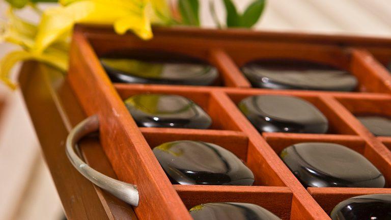 Share Cancun - Servicios - Spa | Piedras negras para masaje