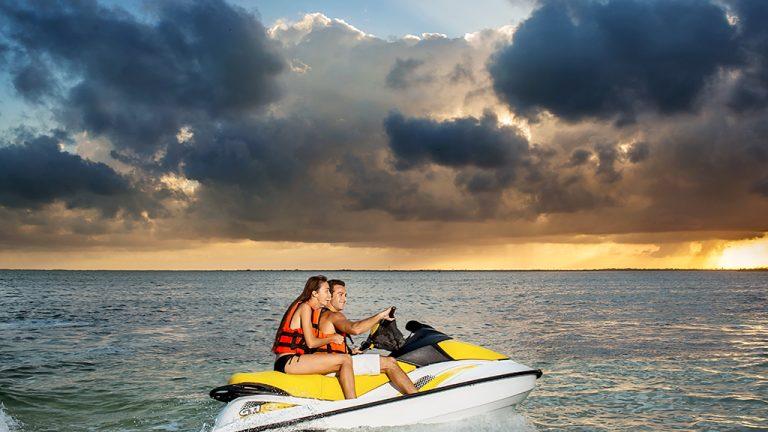 Share Cancun - Servicios - Coconut Divers | Moto Acuatica