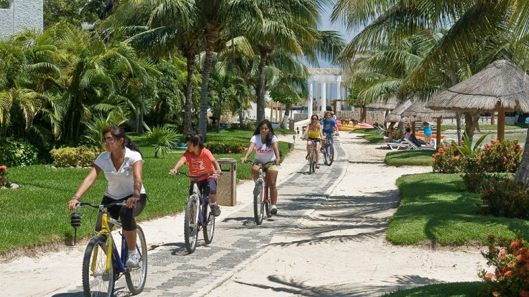 Share Cancun - Hoteles - Sunset Marina Resort & Yacht Club   Paseo Bicicleta
