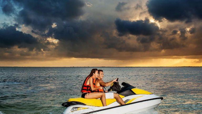 Share Cancun - Hoteles - Sunset Marina Resort & Yacht Club   Moto Acuatica