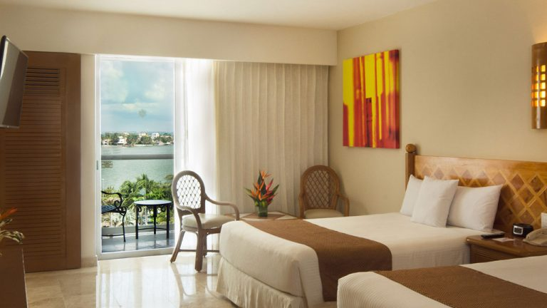 Share Cancun - Hoteles - Sunset Royal Beach Resort | Interior Habitacion