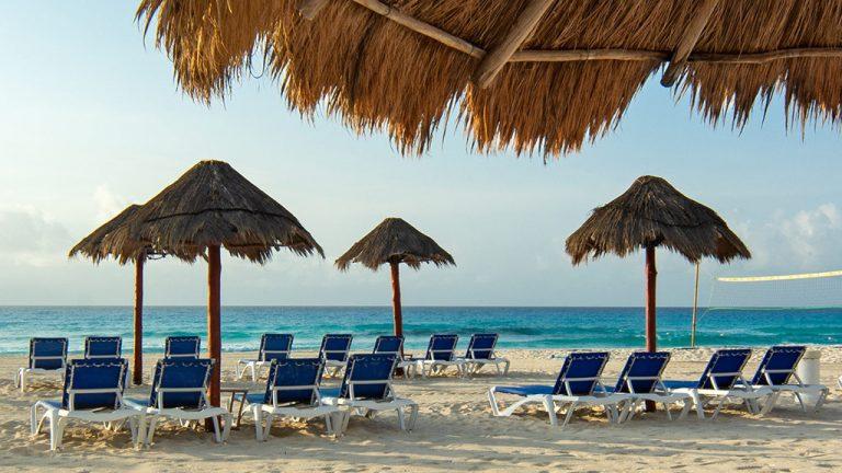 Share Cancun - Hoteles - Sunset Royal Beach Resort | Camastros