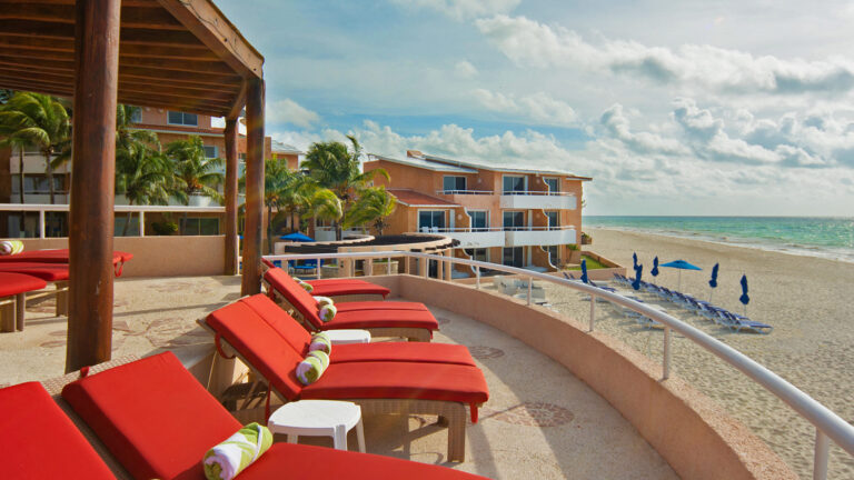 Galeria-Sunset-Fishermen-Beach-Resorts-Camastros-Playa