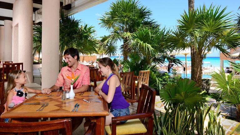 Galeria-Sunset-Fishermen-Beach-Resorts-Familia-Mesa