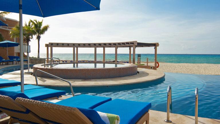 Galeria-Sunset-Fishermen-Beach-Resorts-Piscina-Playa